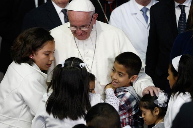 """Los efectos de la """"cariñoterapia"""" del Papa Francisco"""