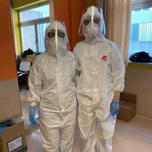 Ana y Andrés, los cooperadores que enfrentan al COVID en Italia